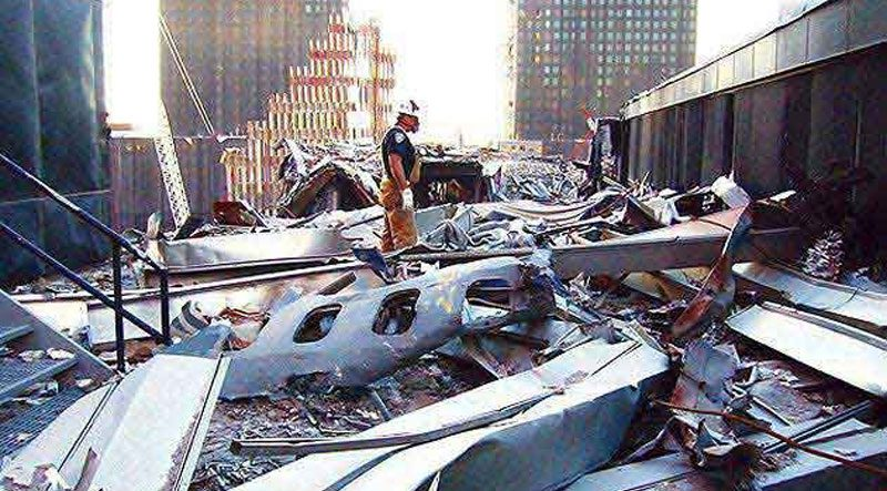 9/11 plane crash in to wtc
